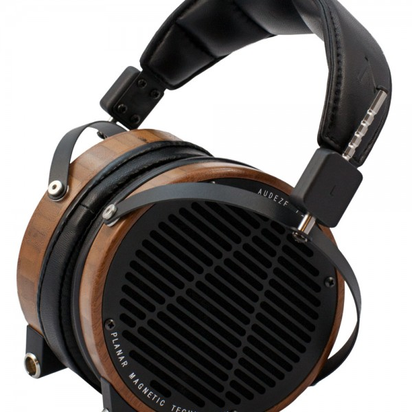 Audeze-LCD2-Boo-Leather-Seated