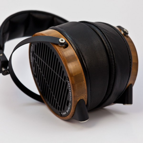 Audeze-LCD2-Boo-Leather-down-wShadow