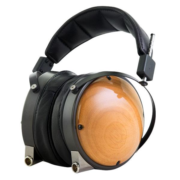 LCD-XC-AAGG-LBK-CIR-seatedL